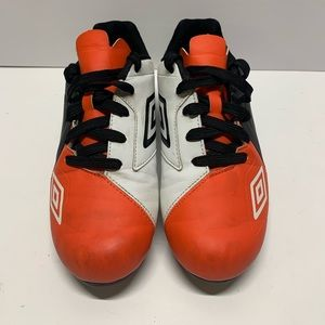 Boys Size 6 Umbro Spire Cleats